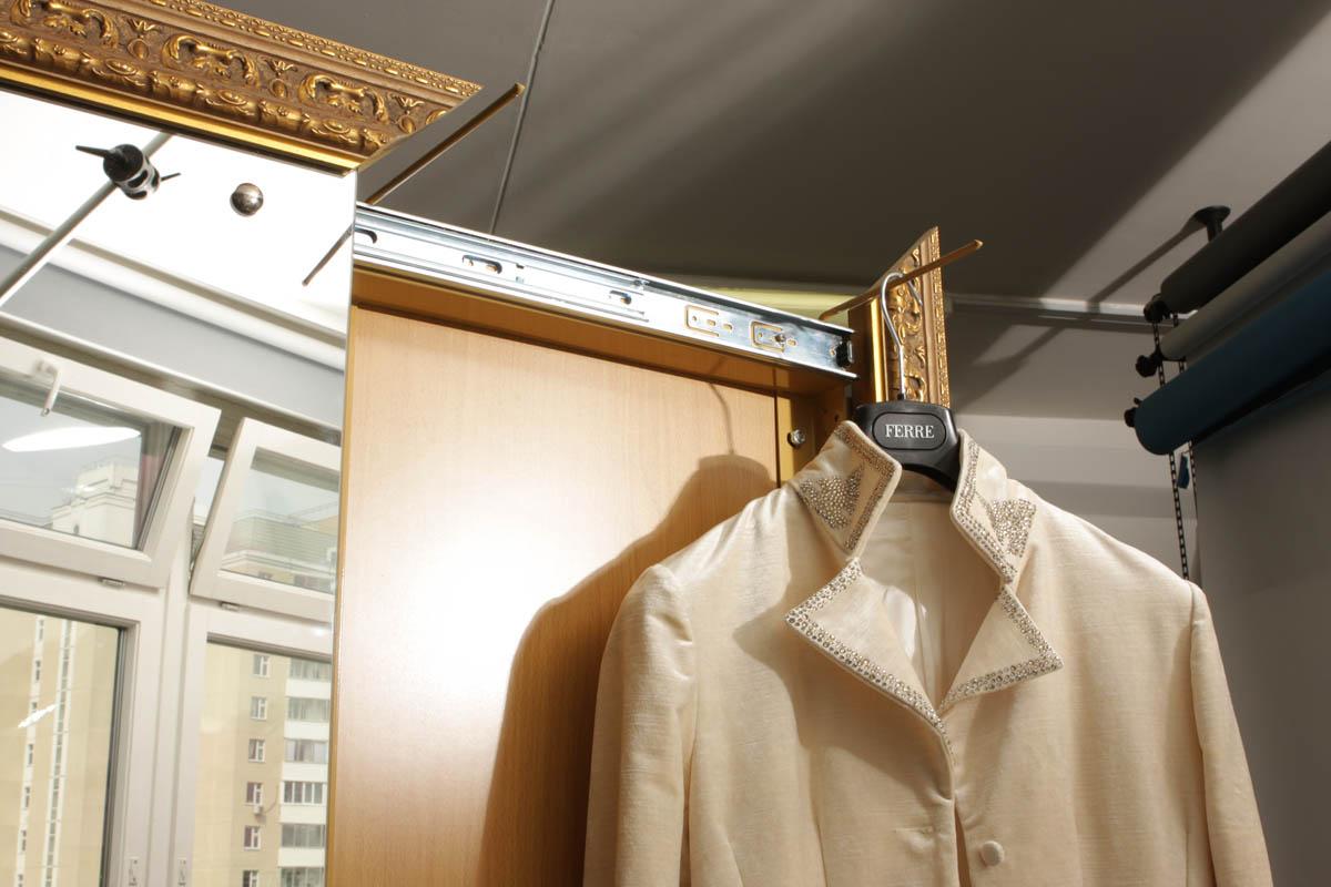 Направляющая для развешивания выглаженной одежды